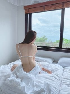 元SKE48石田安奈「オトナなランジェリーにドキッ」自身初のイメージDVD発売をアピール【画像2枚】の画像