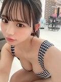 NMB48和田海佑「あなたはどっち派?」グラビア撮影のオフショット投入にファン「選べん」【画像2枚】の画像002