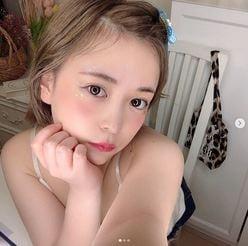 元SKE48平松可奈子「セクシーな肩紐チラリ」キラキラ夏メイクを公開の画像