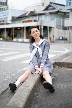 岡本桃花「清楚な制服姿」がまぶしい期待の新人!【写真5枚】の画像