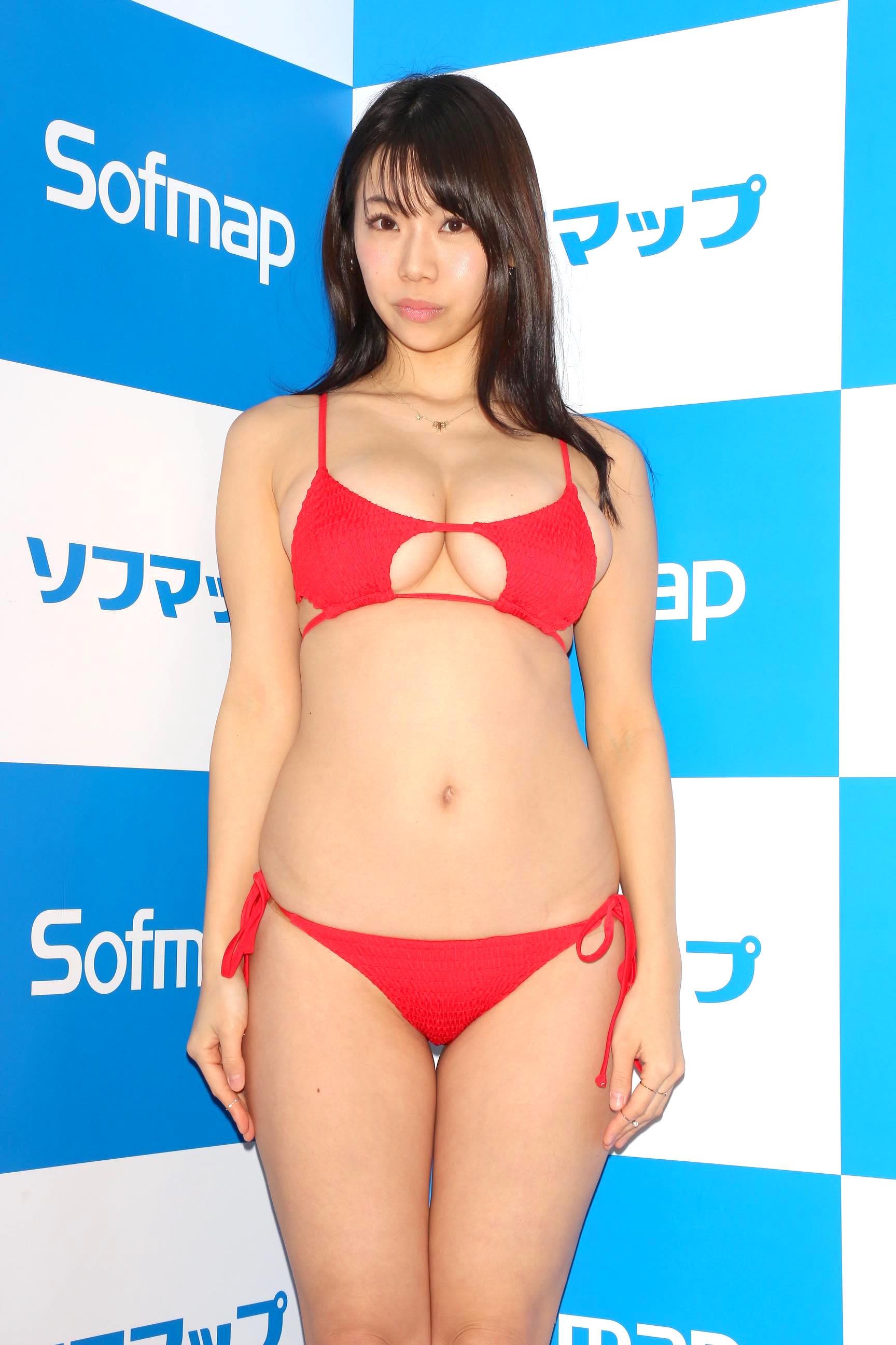 鈴木ふみ奈「待望のビキニ姿」2年半ぶりのDVDを発売!【写真23枚】の画像002