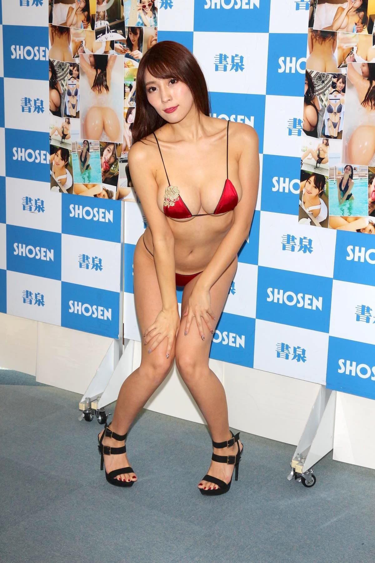 森咲智美の水着画像14