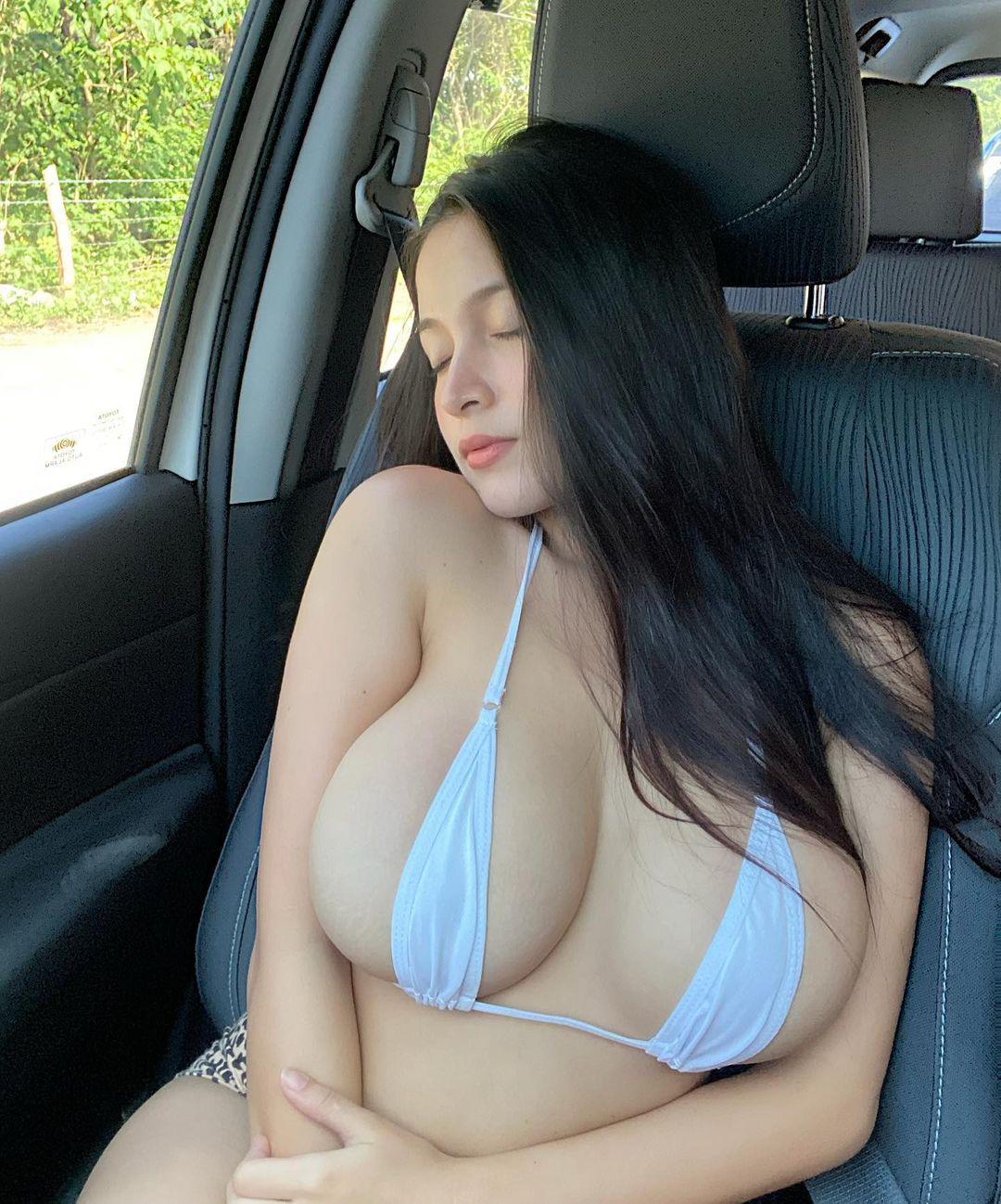 パンドラ・カーキ「フィリピン美乳の最高峰!」エッチすぎるドライブのお誘い?【画像3枚】の画像001