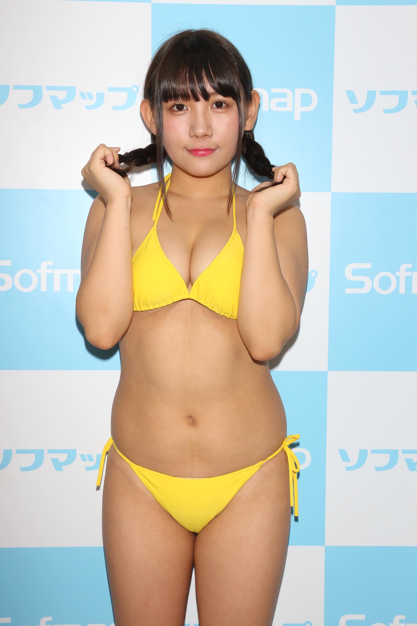 椿理穂「どのシーンも大胆」セクシーな水着に挑戦!【写真40枚】の画像017