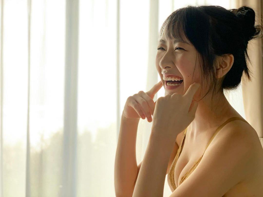 STU48石田千穂「清潔感のあるビキニ・ショットにドキッ」ファースト写真集のオフショットを披露【画像3枚】の画像002