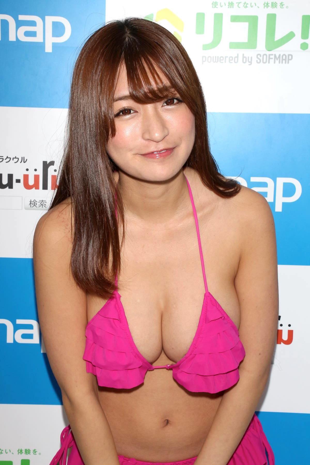 ☆HOSHINO「シャツがどんどん透けちゃう」エプロンはほぼ裸!【写真35枚】の画像021
