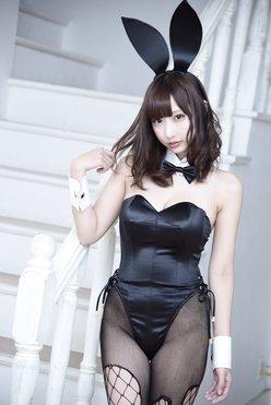 花咲来夢「バニーガールの女神」ムッチリ網タイツ姿がえちえち!【画像4枚】の画像