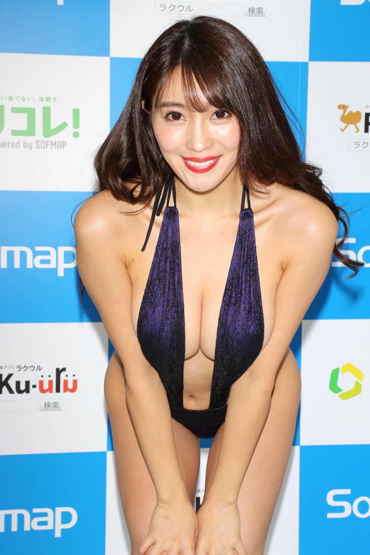 森咲智美のグラビア水着ビキニ画像0016