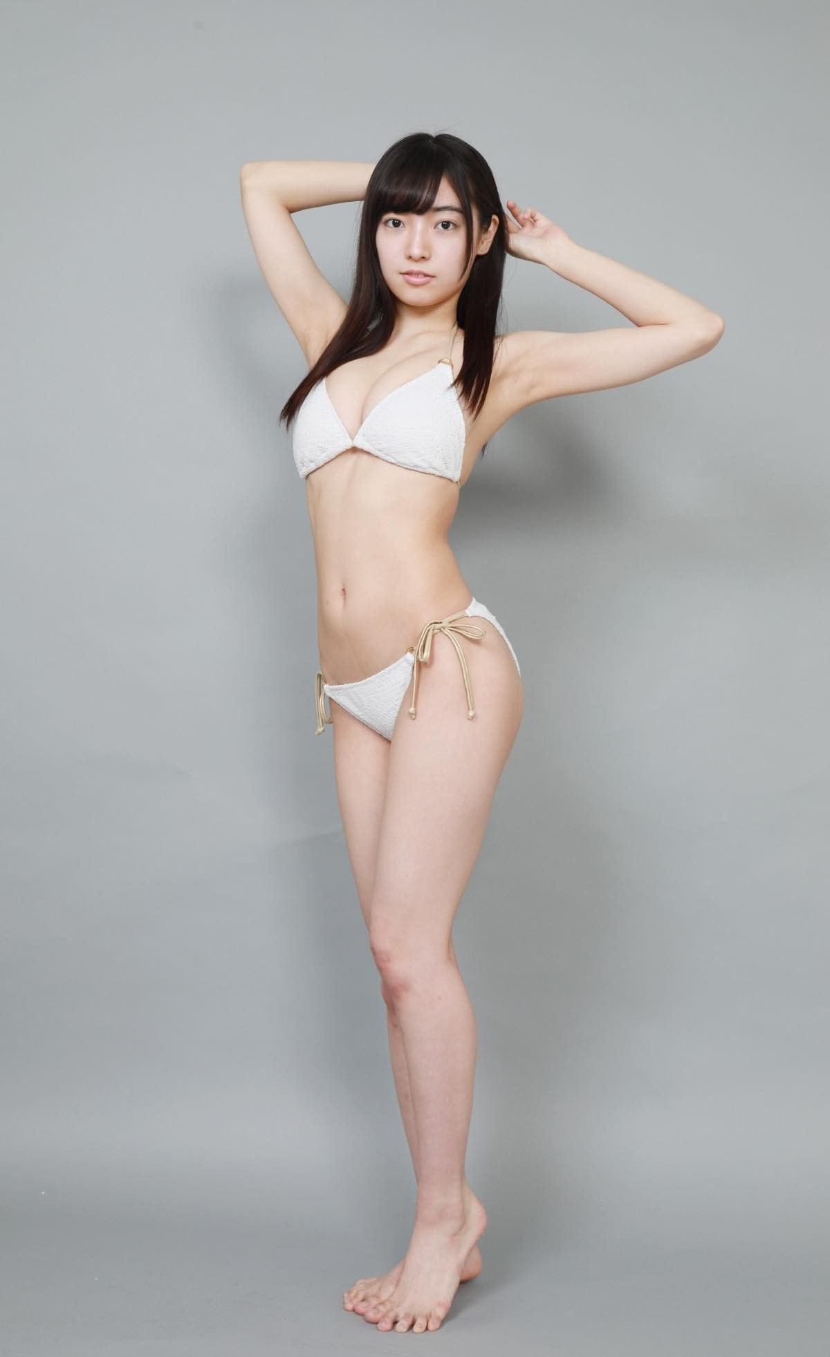 桜田愛音のグラビア水着ビキニ画像0005