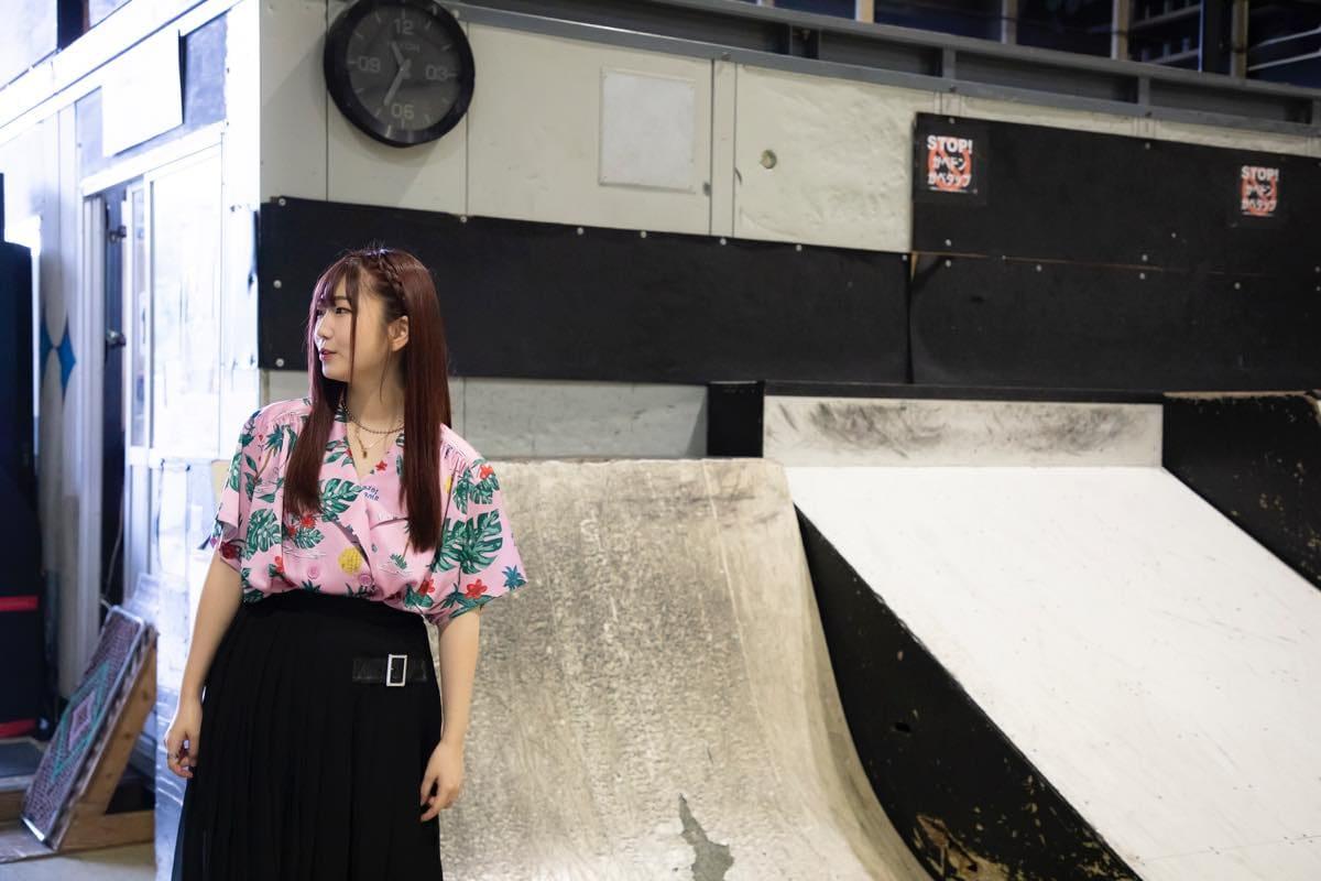 米田みいな「初めてのインラインスケートでなぜかにゃんこスターのモノマネ!?」【写真37枚】【連載】ラストアイドルのすっぴん!vol.21の画像003