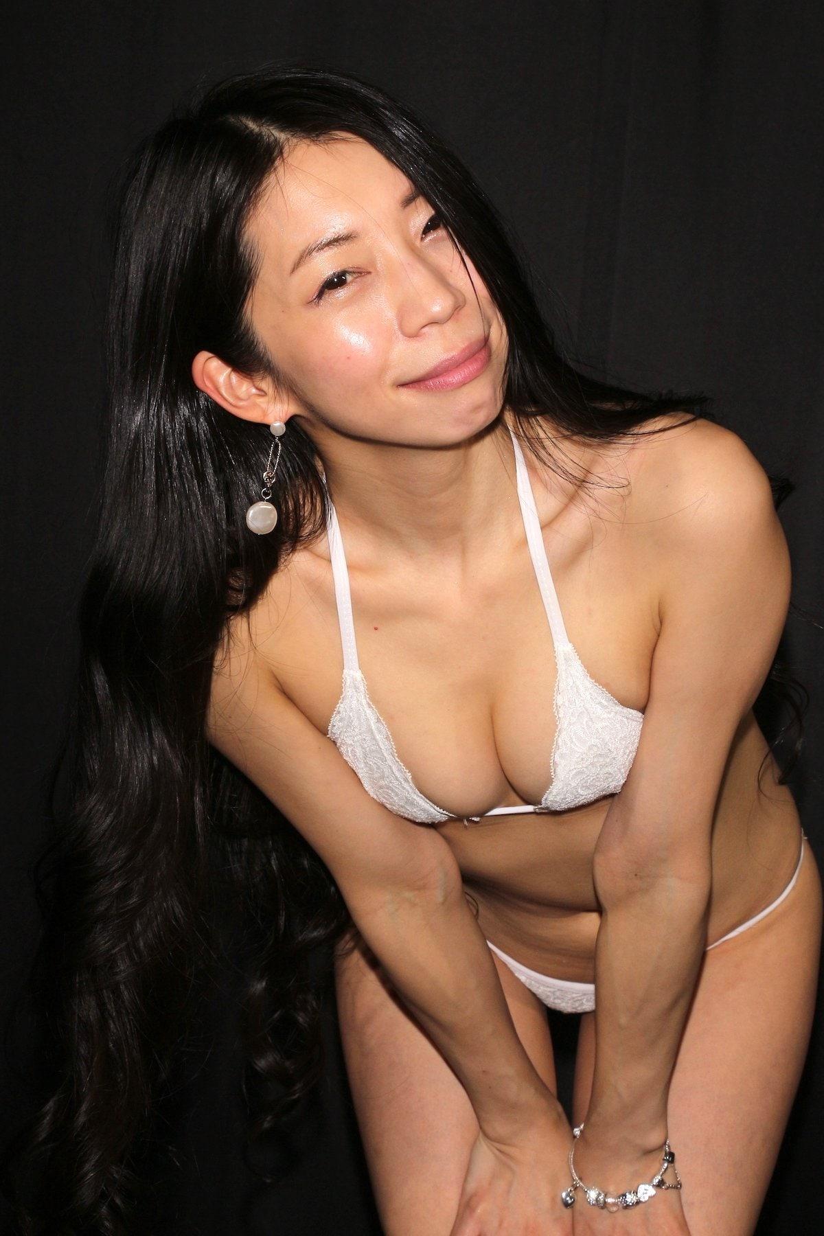 岩崎真奈「ベンチの縁にこすったり」私史上最高にセクシー【画像50枚】の画像033