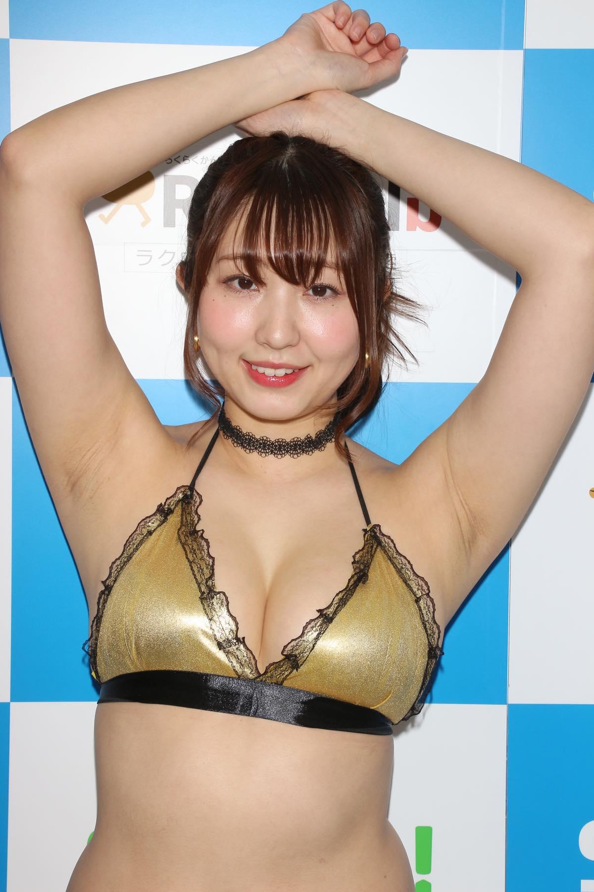 椎名香奈江のグラビア水着ビキニ画像013