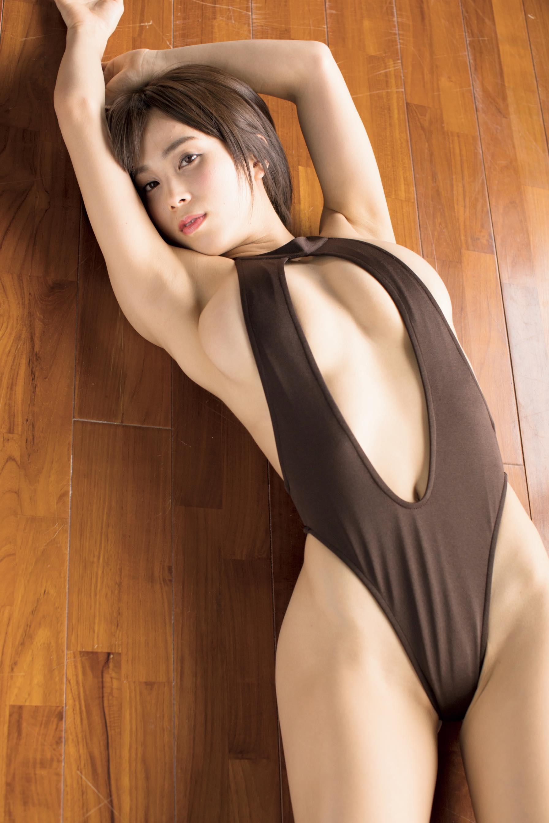 犬童美乃梨「裸エプロン」ほか、セクシー変化!【写真12枚】の画像009