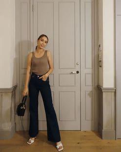 滝沢カレン「セクシーなタンクトップ」トレンドなスタイルでファンを魅了!の画像