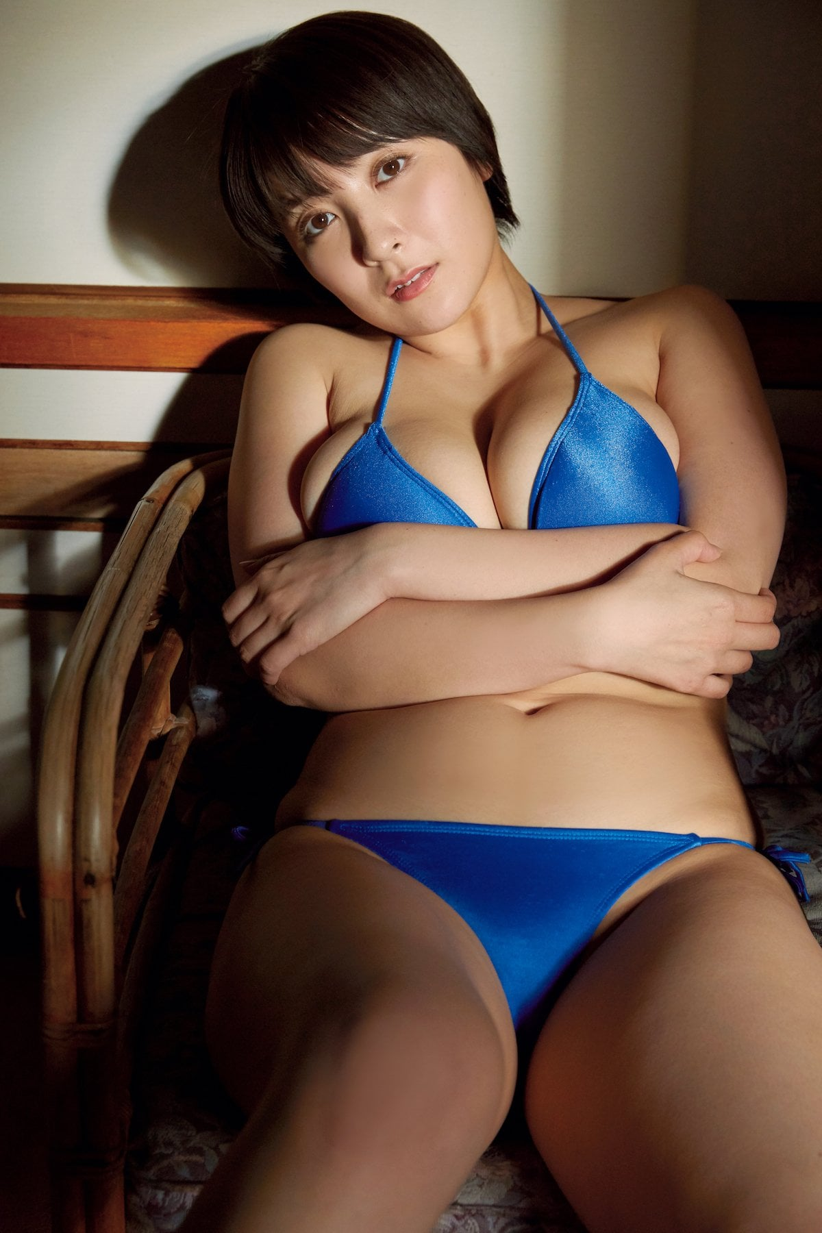 紺野栞「むちむちボディ」飛び出しそうな3Dバストをお届け!【画像10枚】の画像004