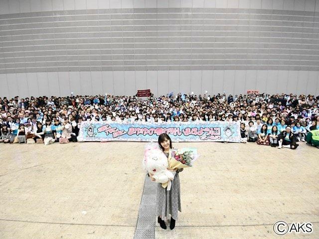 渡辺麻友「AKB48最後の握手会」で、まさかのサプライズ!の画像003
