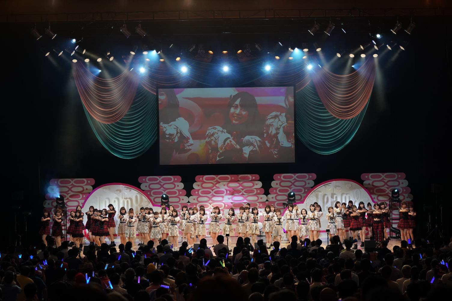 AKB48チーム8大阪公演開催、OGメンバーも集結!【写真22枚】の画像003