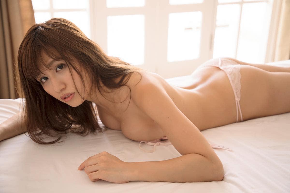 鈴原優美「ハイレグ美ボディ」ガールズバンドのメンバーはスタイル抜群【写真11枚】の画像011