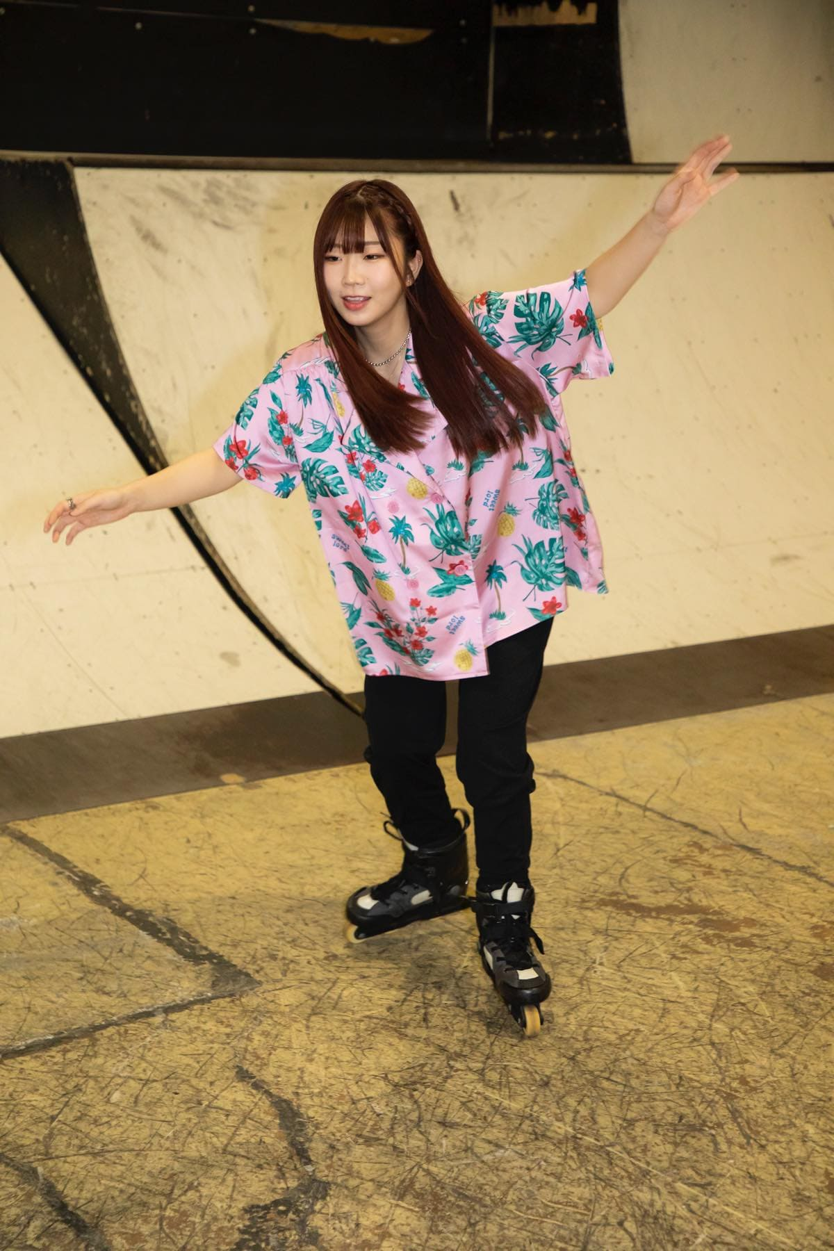 米田みいな「初めてのインラインスケートでなぜかにゃんこスターのモノマネ!?」【写真37枚】【連載】ラストアイドルのすっぴん!vol.21の画像013