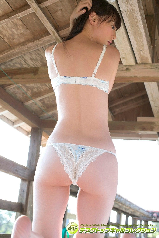 秋山莉奈「お蔵出しグラビア」でオシリーナの魅力を再確認!【写真5枚】の画像004