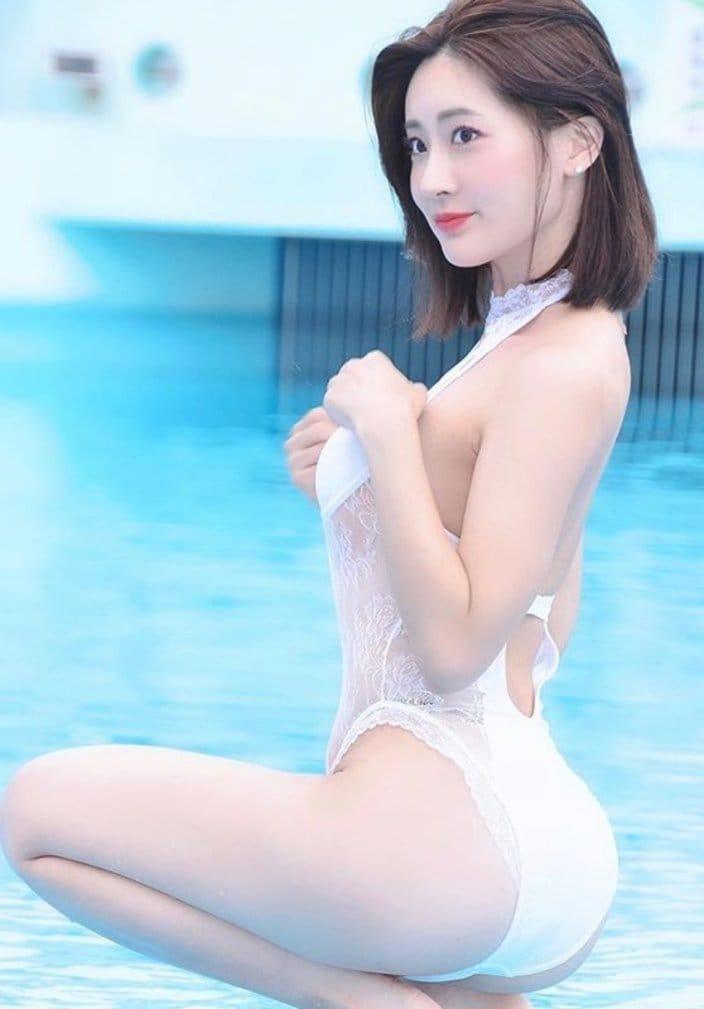 池尻愛梨「上向き美尻の白い妖精」透明感満点の美肌に胸キュンの画像