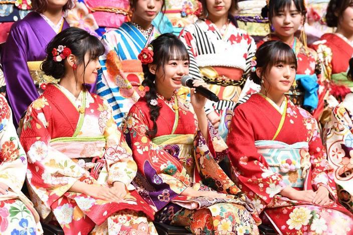2020年「AKB48グループ成人式」に総勢42名が登場!【写真14枚】
