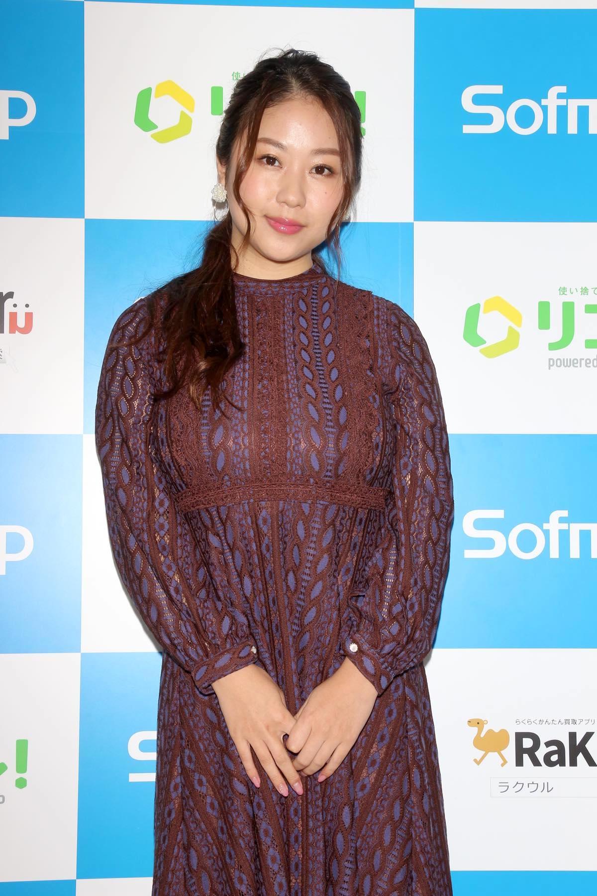 西田麻衣「きわどい水着が多かった」44枚目のDVDでも攻めまくり!【写真37枚】の画像001