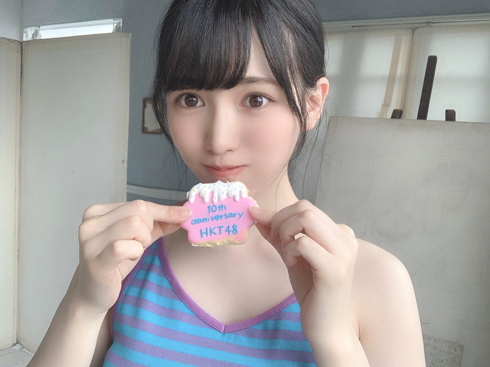 HKT48運上弘菜「美デコルテがセクシー!」『漫画アクション』撮影オフショット披露にファン歓喜【画像2枚】の画像002