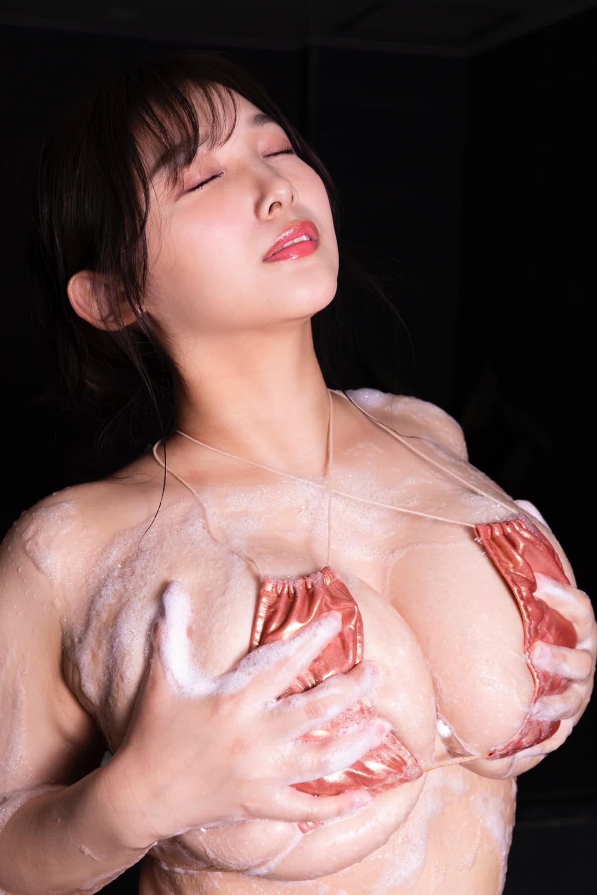 工藤唯「とんでもないカラダ」童顔に奇跡の103cm神バスト【画像12枚】の画像011