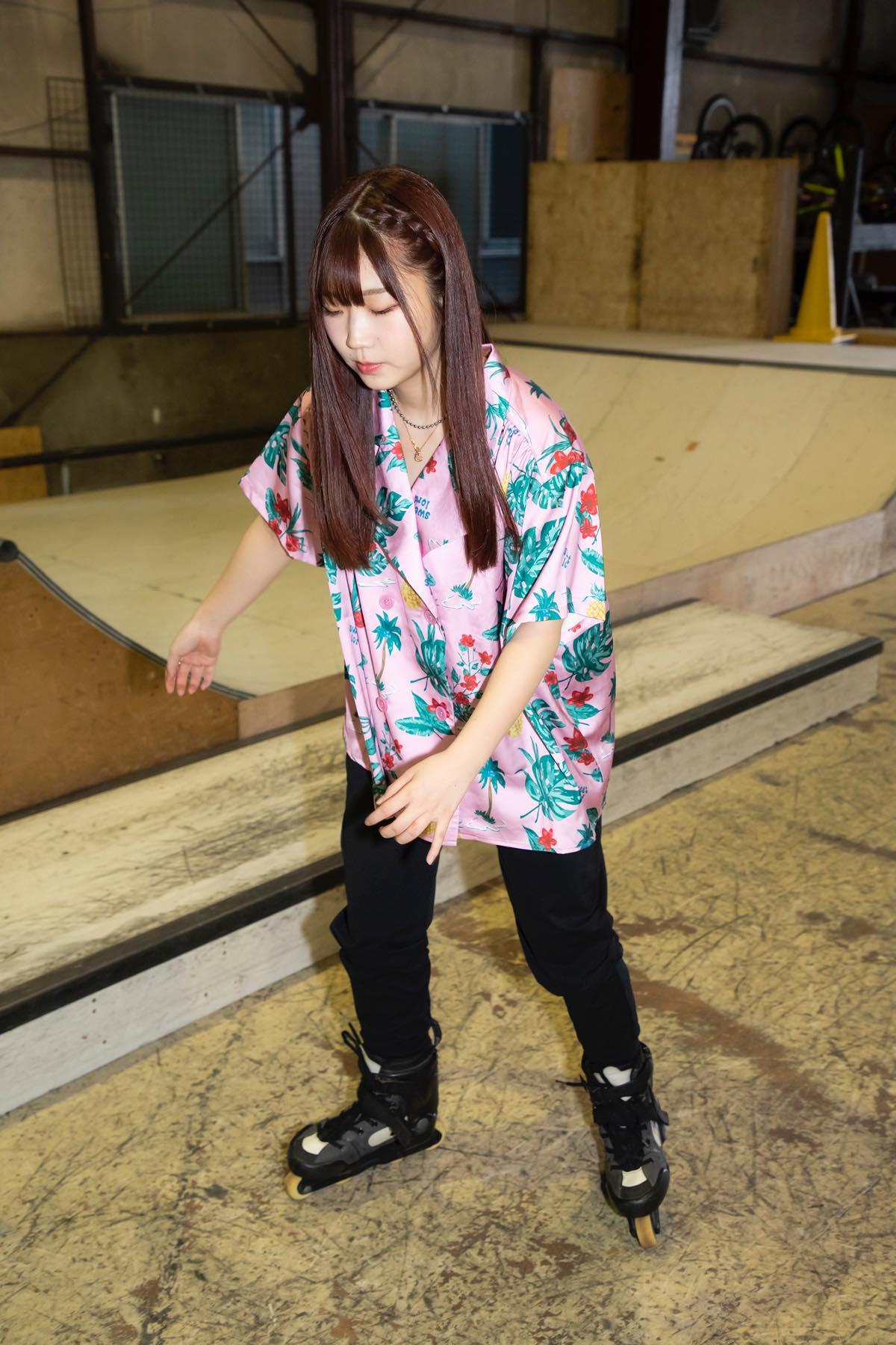 米田みいな「初めてのインラインスケートでなぜかにゃんこスターのモノマネ!?」【写真37枚】【連載】ラストアイドルのすっぴん!vol.21の画像009