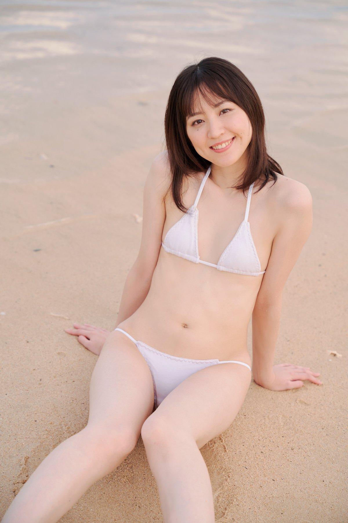 船岡咲「元ジュニアモデル」スレンダー美女のぷりぷり尻【画像10枚】の画像002