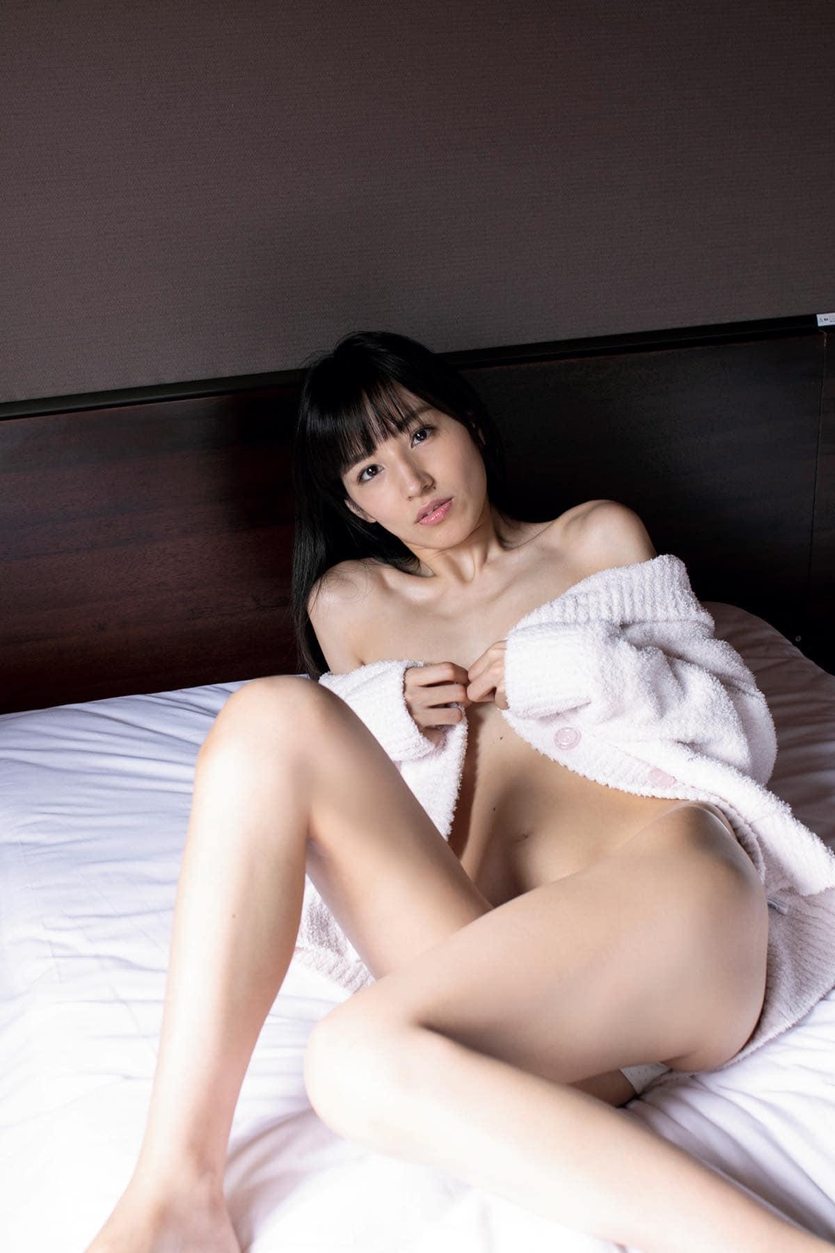 保田真愛のグラビア水着ビキニ画像8