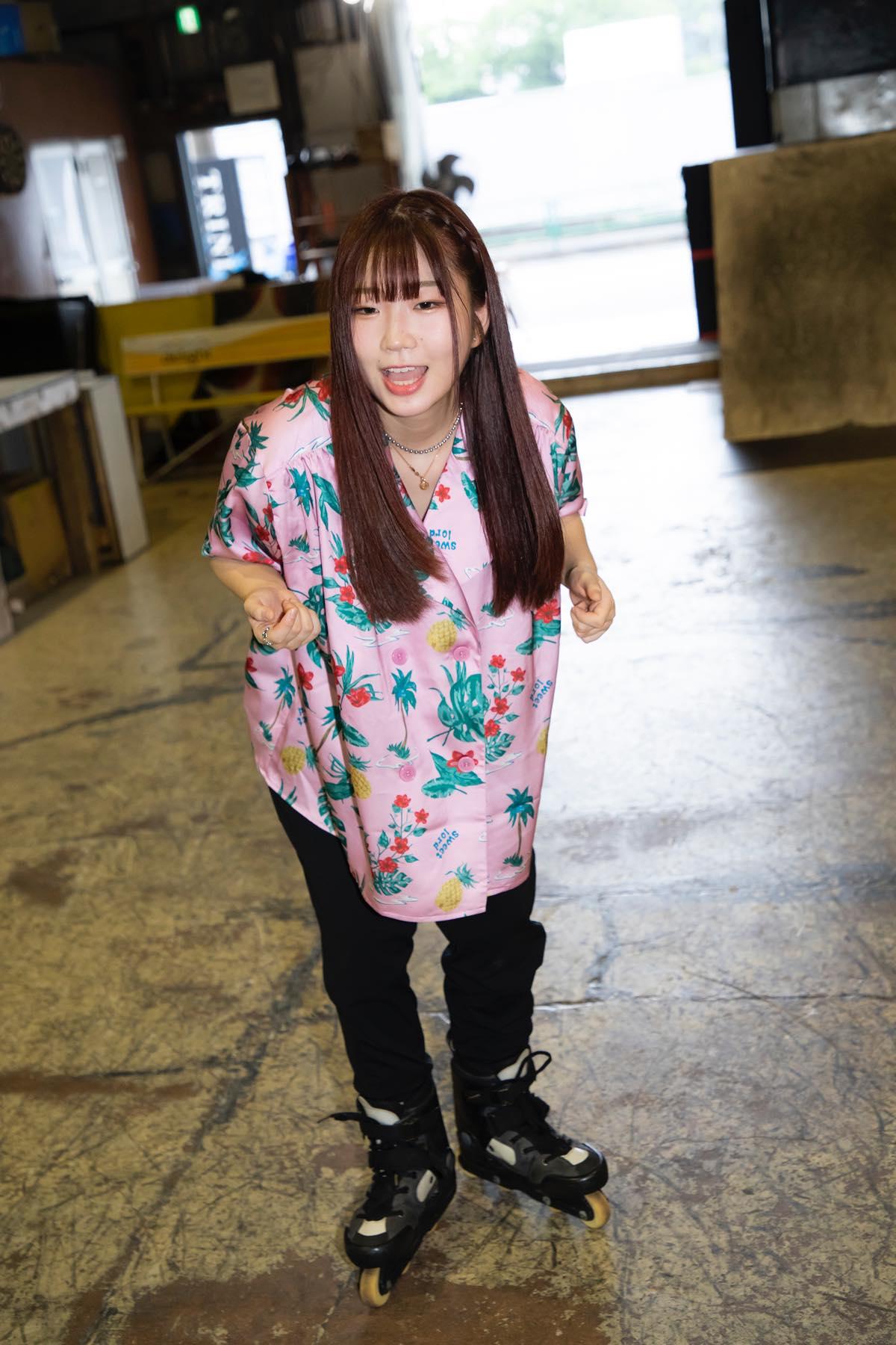米田みいな「初めてのインラインスケートでなぜかにゃんこスターのモノマネ!?」【写真37枚】【連載】ラストアイドルのすっぴん!vol.21の画像031