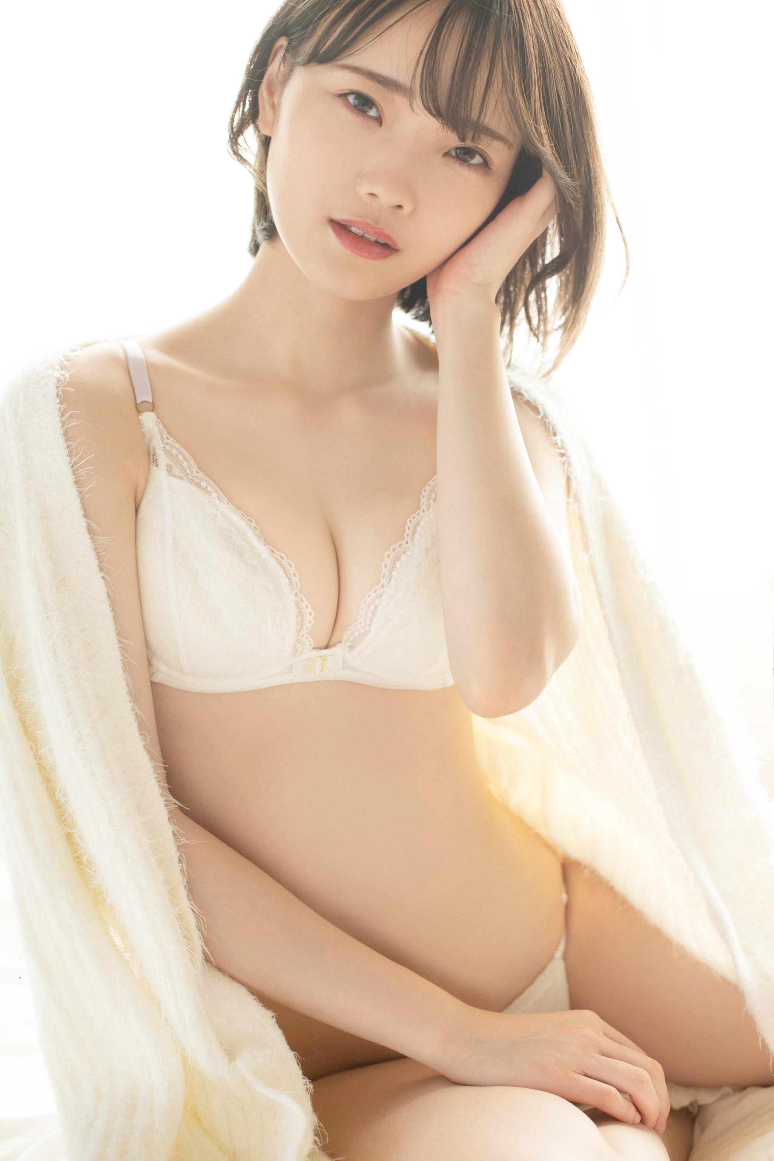 新谷姫加「透き通る白肌」新人グラドルのスレンダーボディ【画像5枚】の画像004
