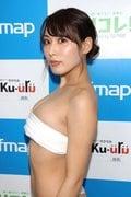 金子智美の水着ビキニ画像15