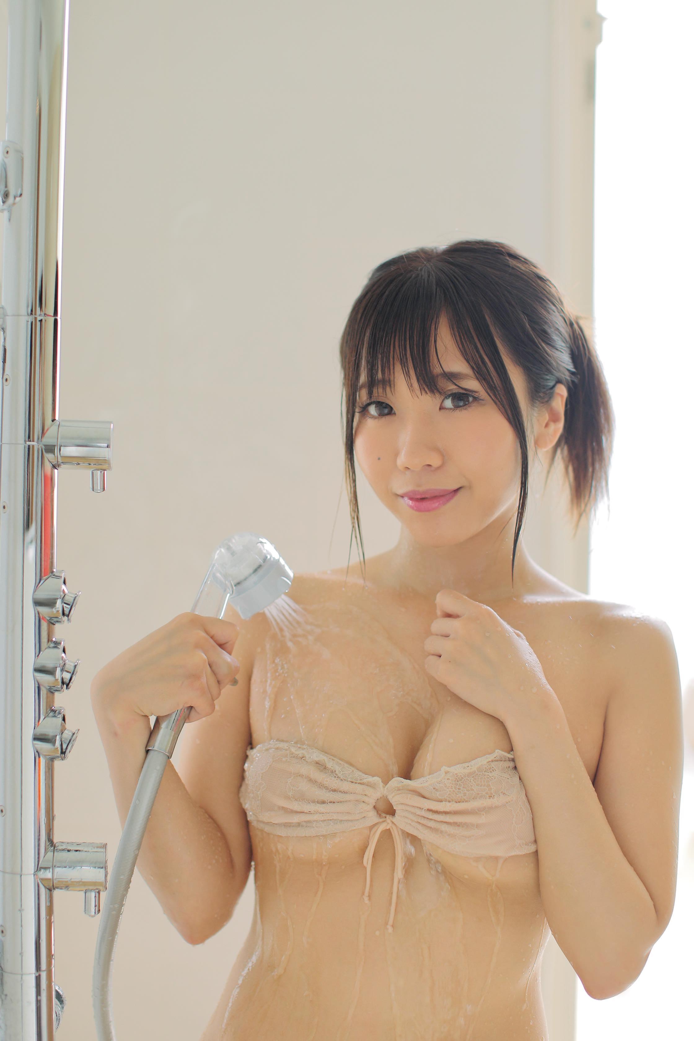 福田琴美「下乳女王」を狙う次世代ルーキーが登場!【写真9枚】の画像004