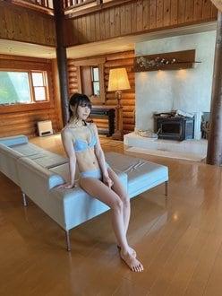 NMB48前田令子「涼しげ&セクシーが最高…」グラビア撮影のオフショットを披露【画像2枚】の画像
