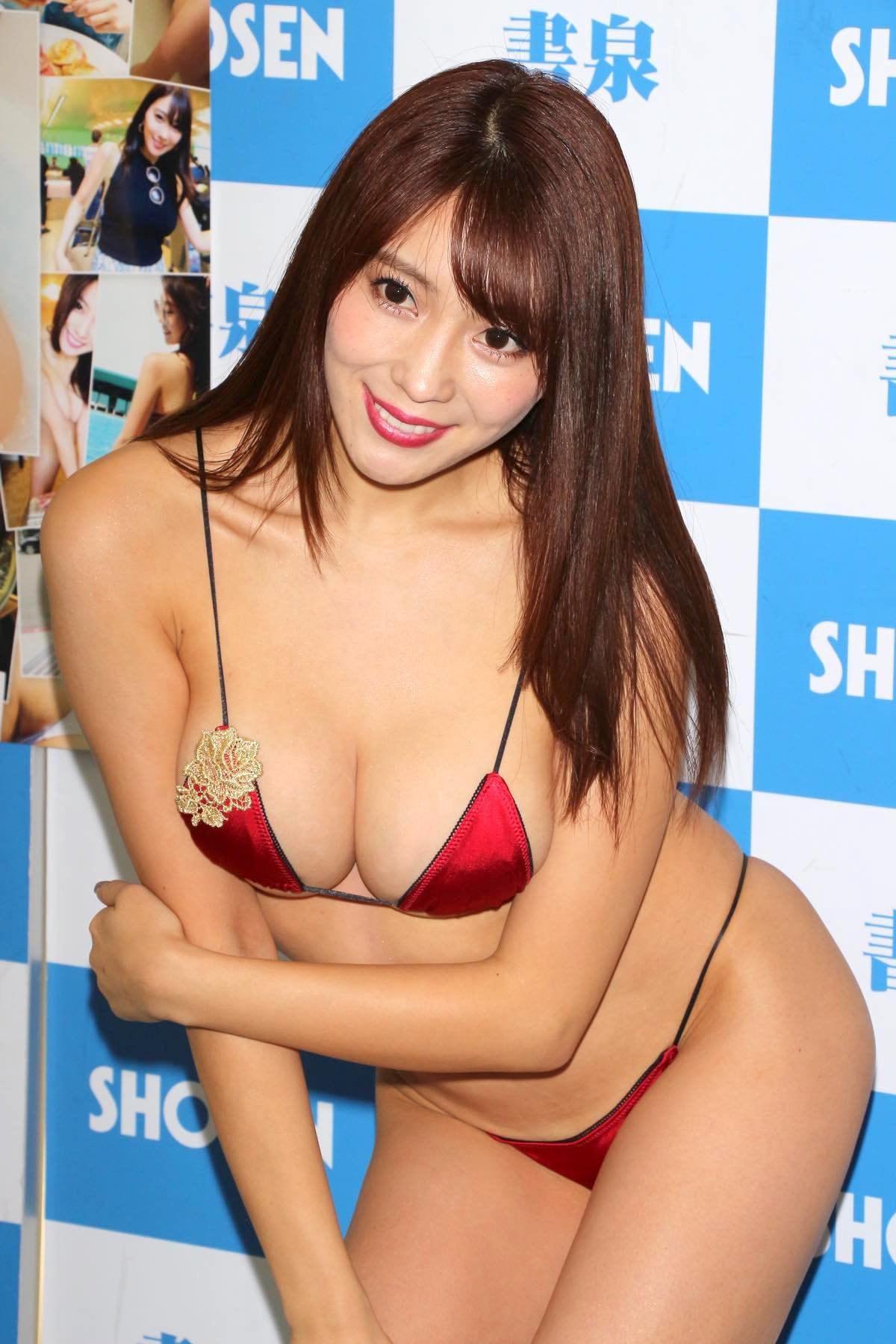 森咲智美の水着画像21