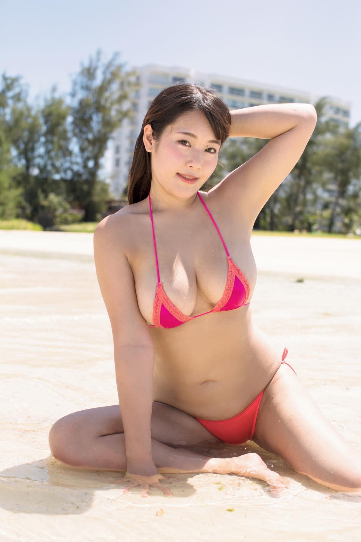 秋山かほの水着画像8