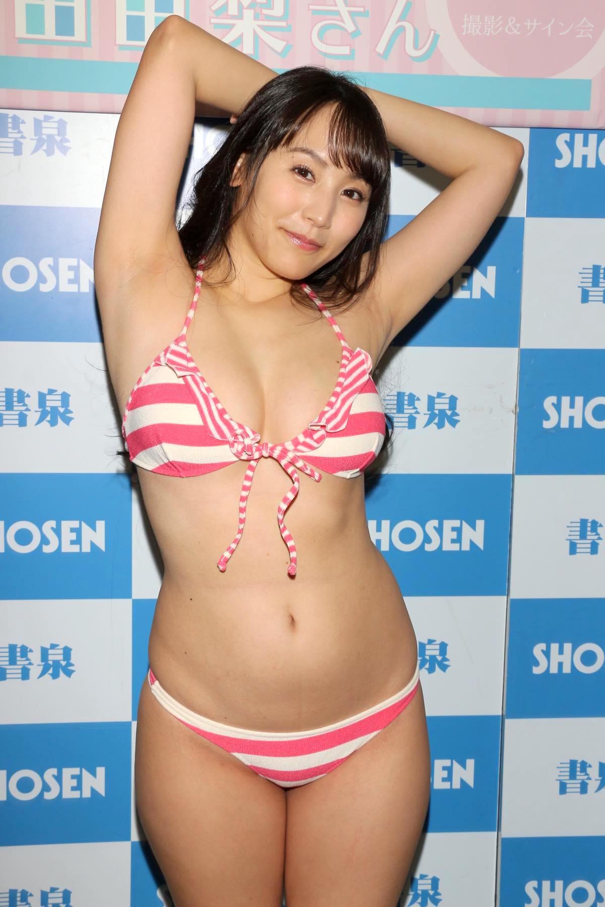 浜田由梨のグラビア水着ビキニ画像014