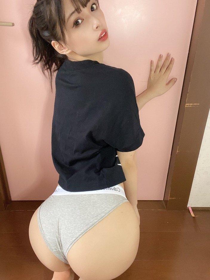 鶴巻星奈「ジュニアアイドルからスクスク成長中!!」ビッグなヒップの童顔美少女!【画像4枚】の画像002