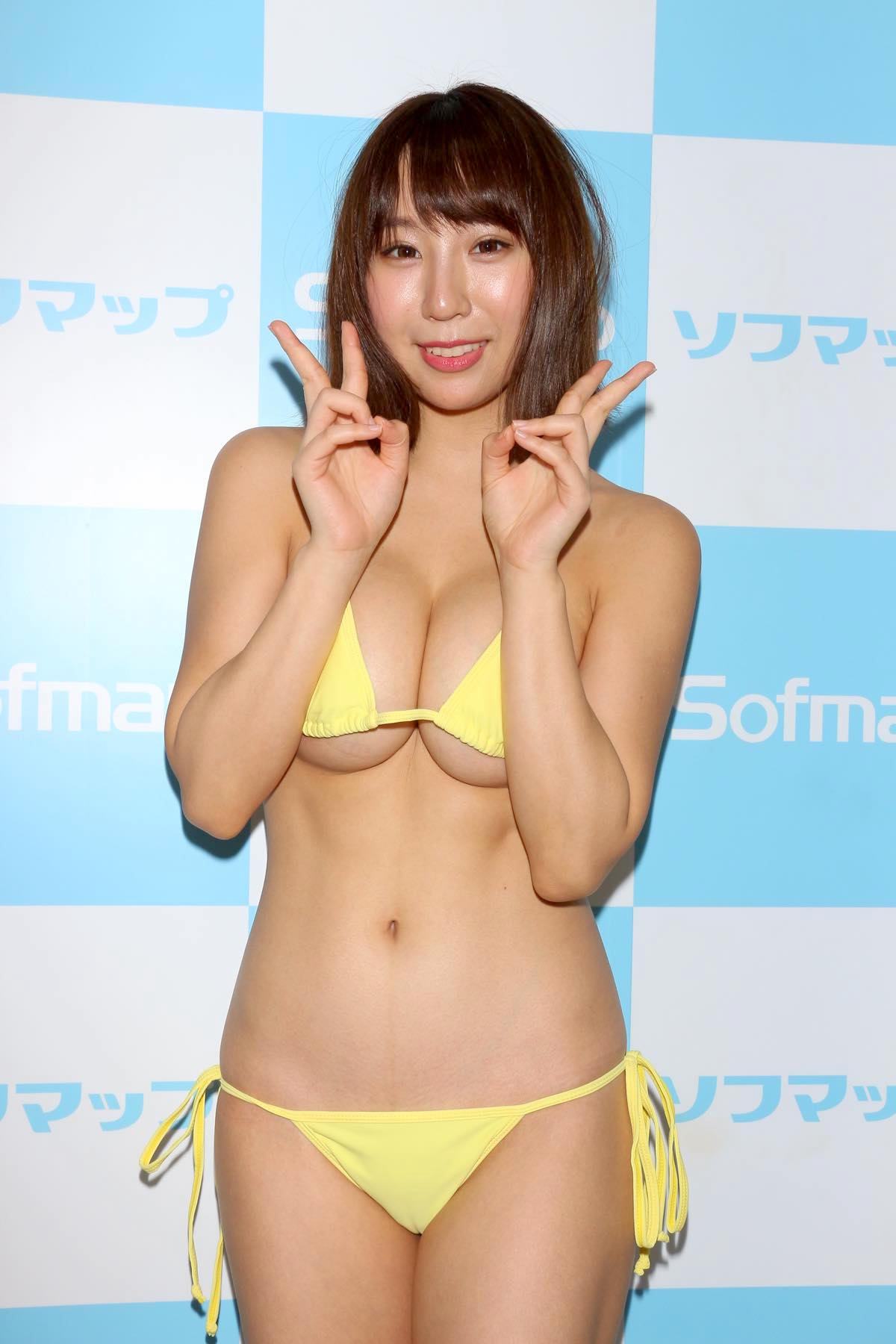 日向葵衣のグラビア水着ビキニ画像018