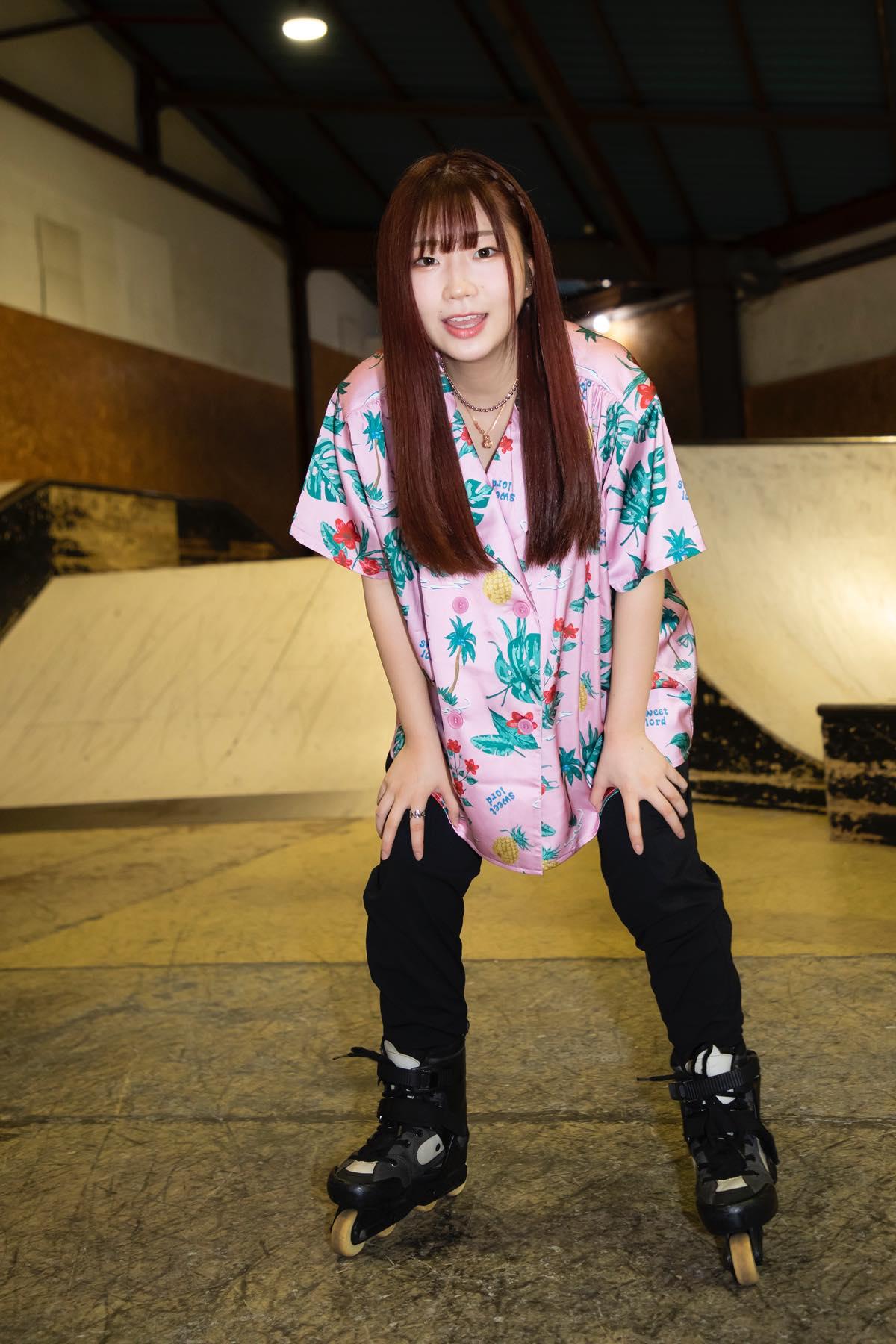 米田みいな「初めてのインラインスケートでなぜかにゃんこスターのモノマネ!?」【写真37枚】【連載】ラストアイドルのすっぴん!vol.21の画像017