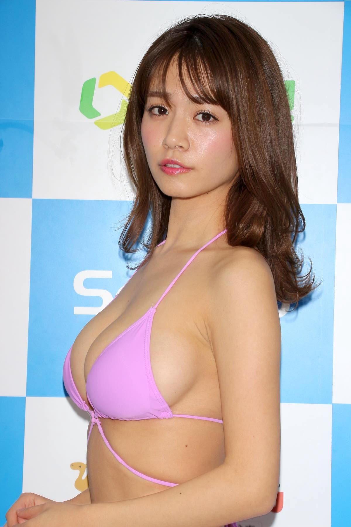 菜乃花のグラビア水着ビキニ画像02
