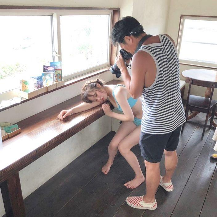 """元AKB48飯野雅、""""初めて水着のオフショット""""にファン大歓喜「美ボディだ」「寝顔かわいい」の声の画像"""
