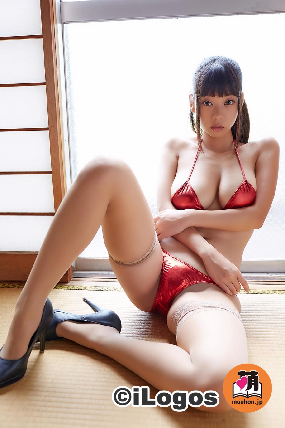 青山ひかる「イケナイ女教師」がセクシーに誘惑!004