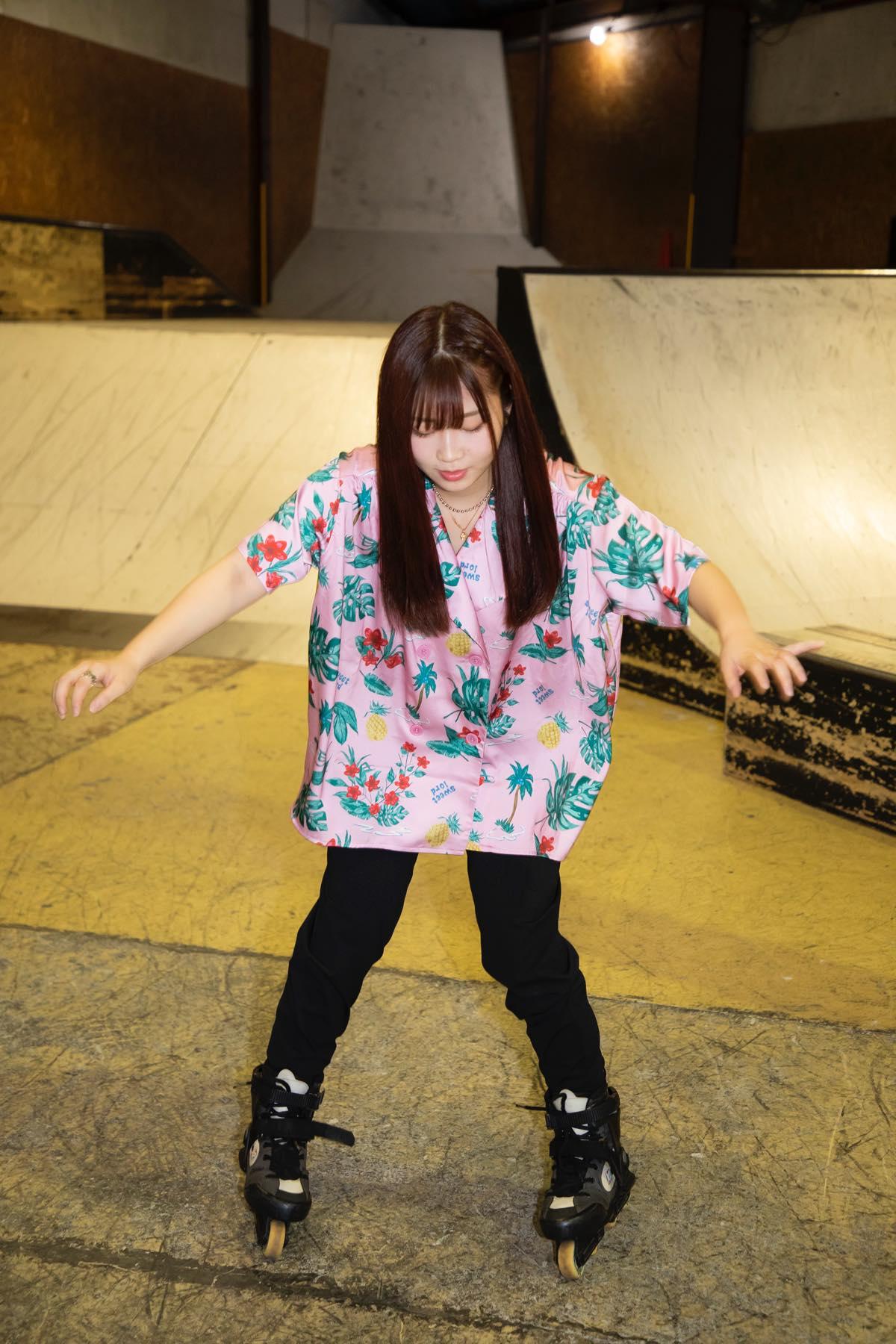 米田みいな「初めてのインラインスケートでなぜかにゃんこスターのモノマネ!?」【写真37枚】【連載】ラストアイドルのすっぴん!vol.21の画像015