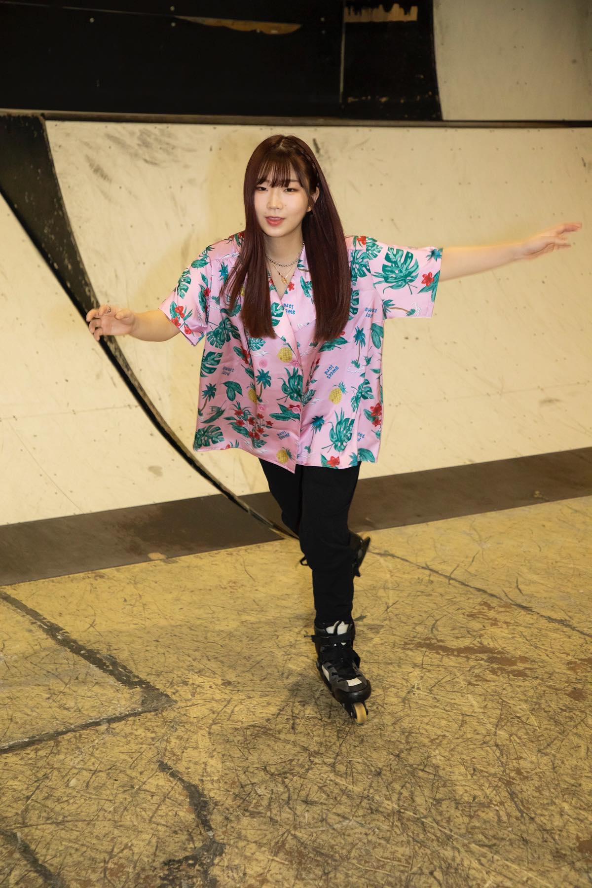 米田みいな「初めてのインラインスケートでなぜかにゃんこスターのモノマネ!?」【写真37枚】【連載】ラストアイドルのすっぴん!vol.21の画像012