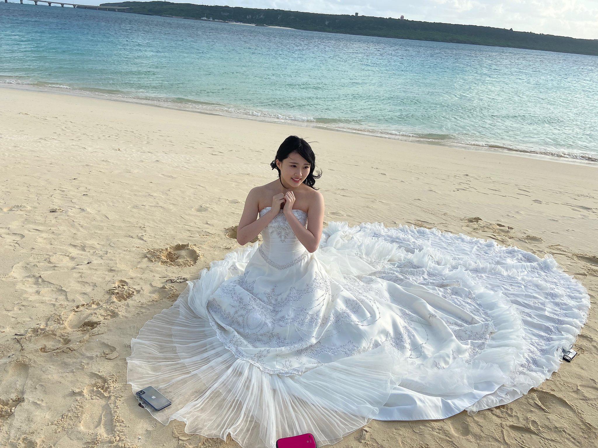 AKB48山根涼羽「ところで…結婚します?」ウエディングドレス姿の撮影オフショットで美デコルテ【画像4枚】の画像004