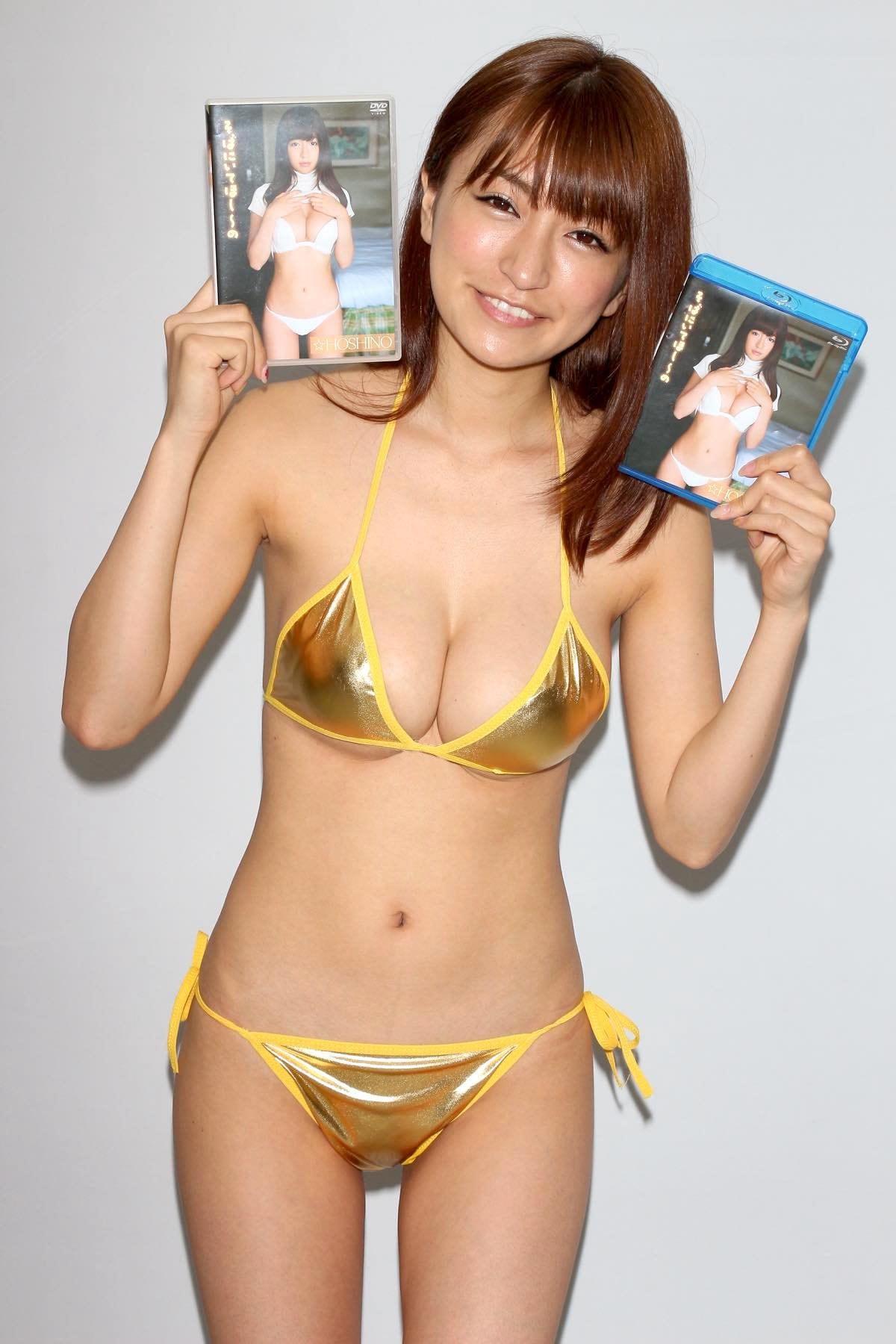 ☆HOSHINO「色気がダダ漏れ」衝撃的セクシーさで攻める!【写真25枚】の画像023